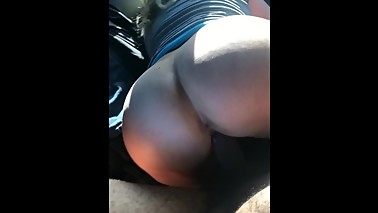 Big Ass White Wife Loves Black Cock In The Backseat