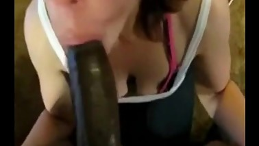 Amateur wife showing huge skills in deepthroating a bbc