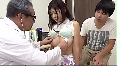 Innocent wife is fucked by the doctor in front of the husband SEE Complete: https://won.pe/Pvd42f