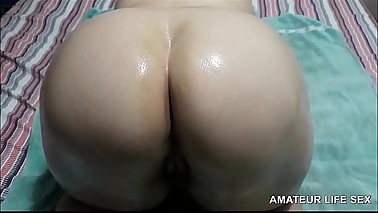 HUSBAND CUCKOLD EXPOSING ASS OF THE BRAZILIAN WIFE